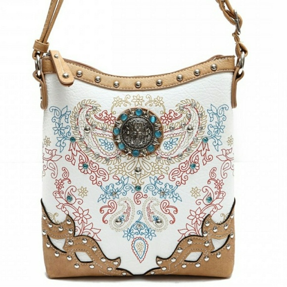 156c0a214600 Cowgirl trendy cross and leaves messenger bag Boutique